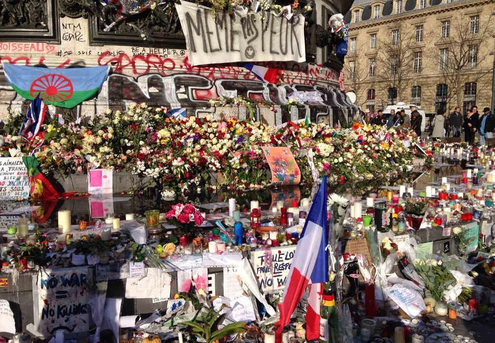 hommage Paris